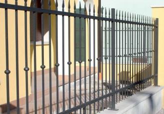 recinzioni-modulari-lancia-con-borchia