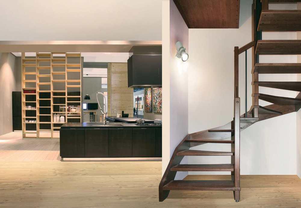 Realizzaziamo scale in legno in tutta italia contattaci for Duelle scale