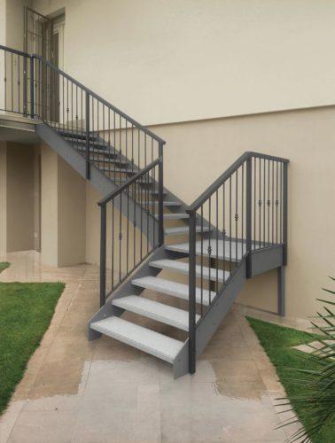 Scale esterne realizziamo ed installiamo in tutta italia - Scale da esterno in muratura ...