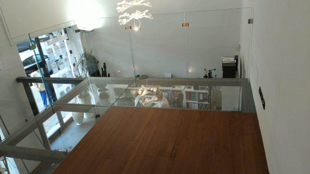 Scala a sbalzo e soppalco legno vetro scale milano - Soppalco in legno autoportante ...