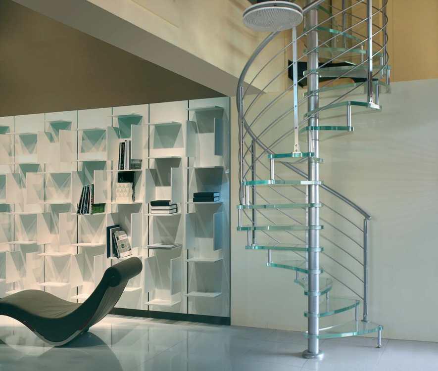 Scale a chiocciola scale milano for Sala di piani quadrati a chiocciola