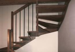Realizzaziamo scale in legno in tutta italia contattaci for Catalogo bricoman rezzato brescia
